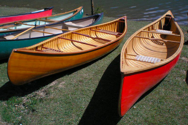 canoa canadese in legno