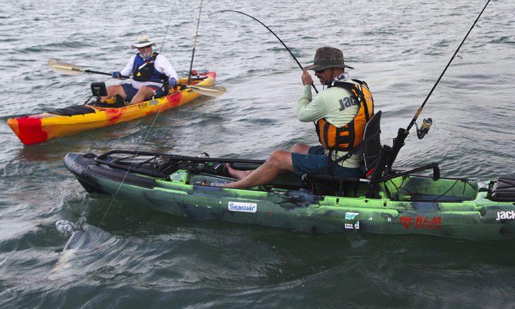 kayak da pesca a pedali